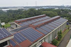 インドネシア最大級の太陽光発電システム導入支援